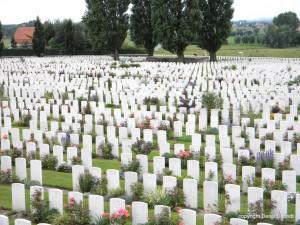 12.000 graven WO1